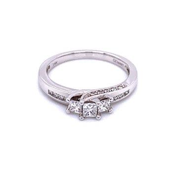 Sweet Swirl Three Stone Ring-Princess Cut
