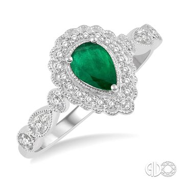 Vintage Style Emerald Ring with Diamond Accents