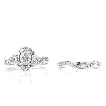 1 1/4ctw Oval Center Wedding Set