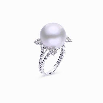 Windsor Pearl Ring