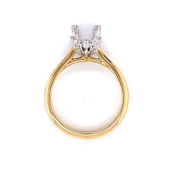 Oval Semi-mount with Diamond Accented Setting