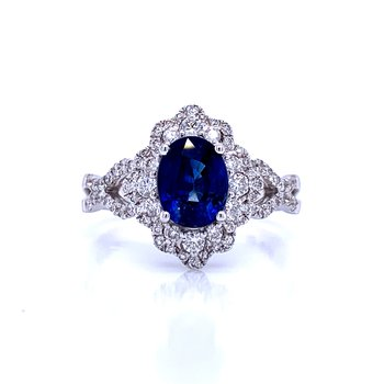 Splendid Beauty Sapphire & Diamond Ring