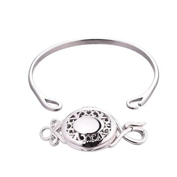 Aubrey Bangle Locket