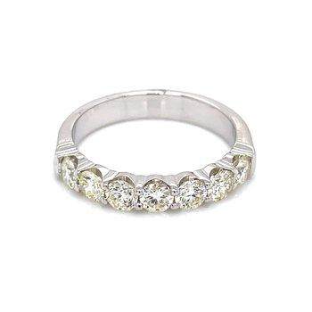 7 Diamond Shared Prong Band 1ctw 14kw