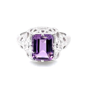 Amethyst Ring with Vintage Distinction