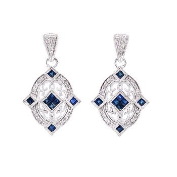 Sapphire Abounds in the Oval Earrings