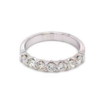 7 Diamond Shared Prong Band 3/4ctw 14kw
