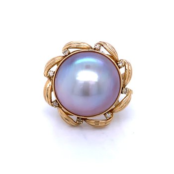 Mabe' Pearl and Diamond ring