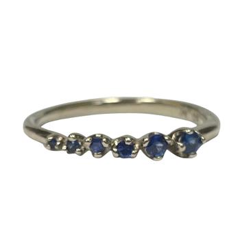 Graduated Sapphire Ring
