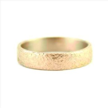 18k Yellow 4mm Textured Band