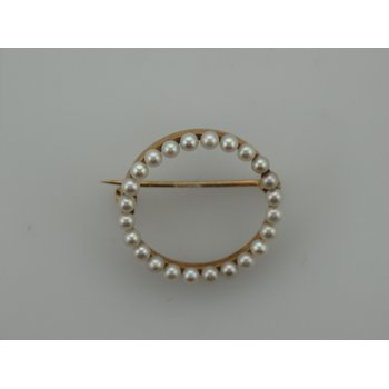 Circle Pearl Pin