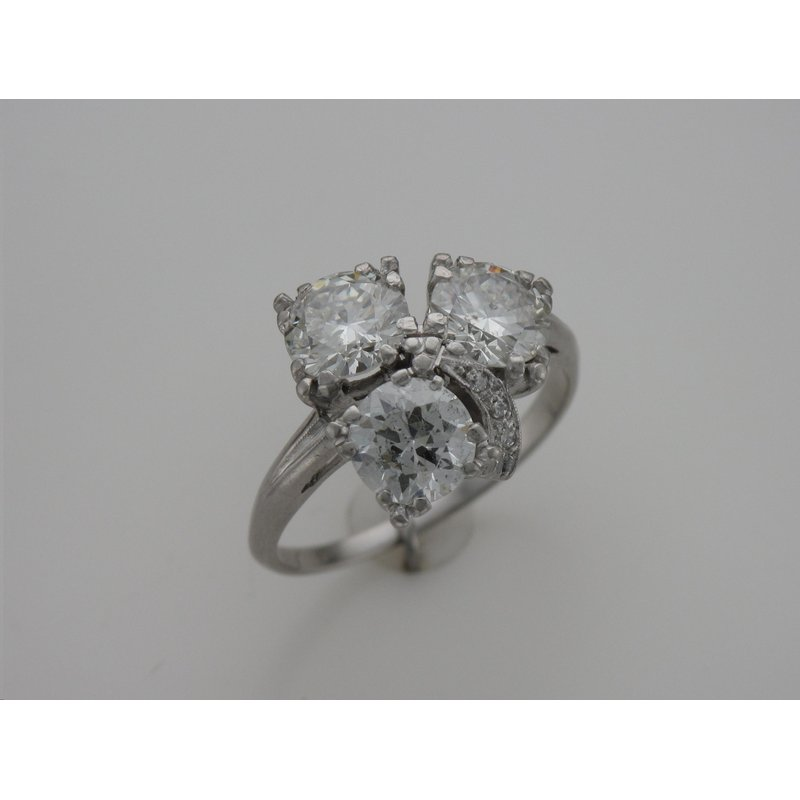 Antique, Estate & Consignment Vintage Three Stone Diamond Ring