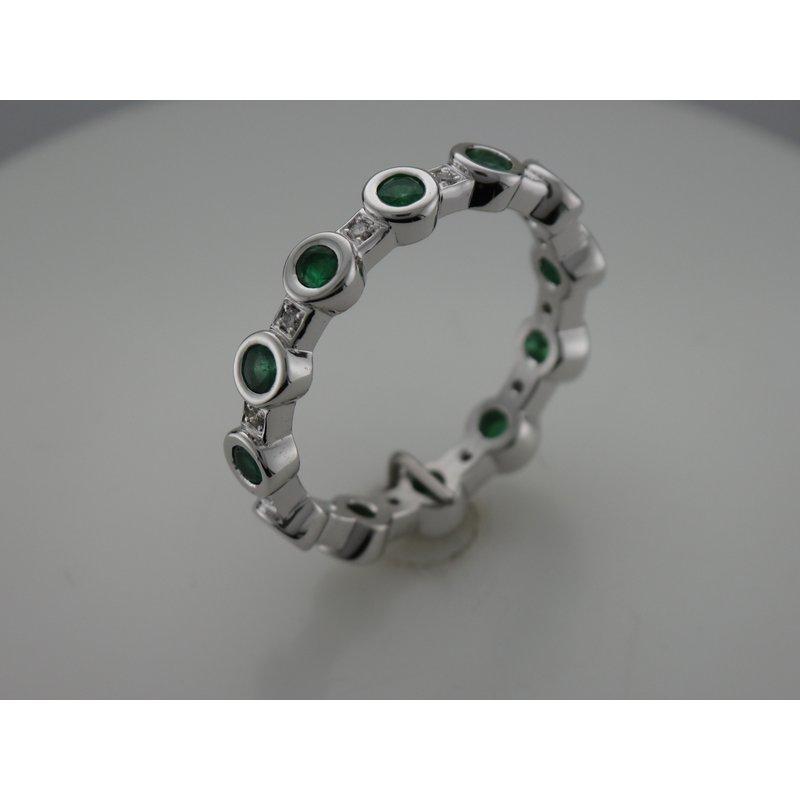 Hurdle's Custom Designs Emerald & Diamond Ring