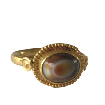 22k Cabochon Agate Ring