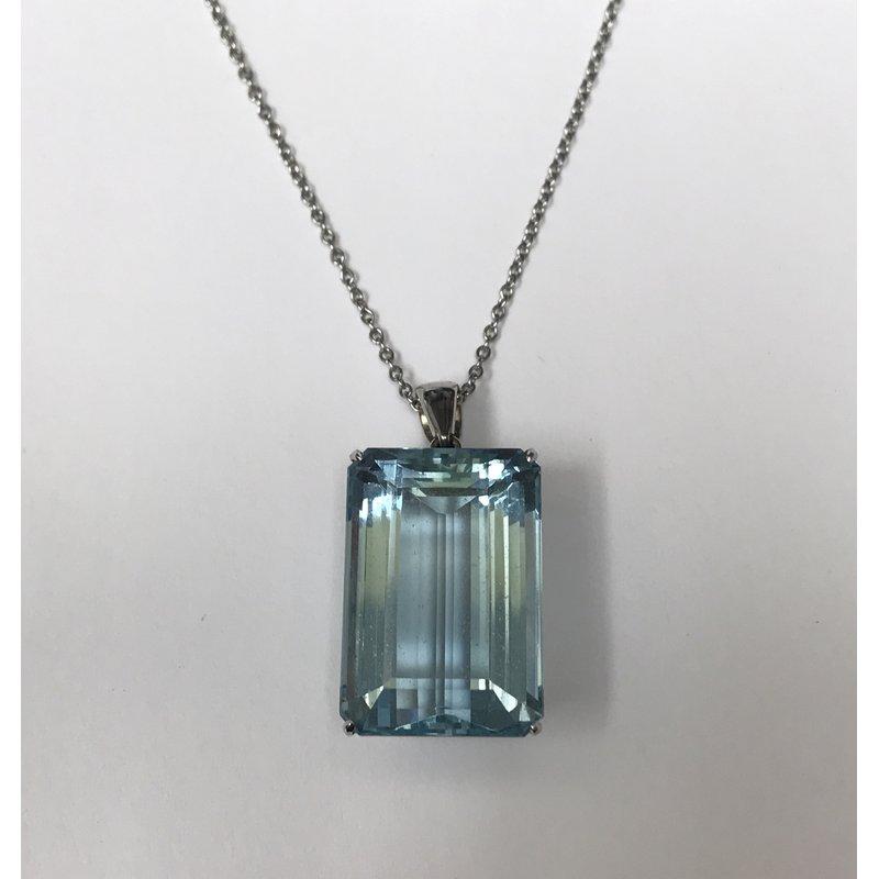 Antique, Estate & Consignment Emerald Cut Aquamarine Necklace