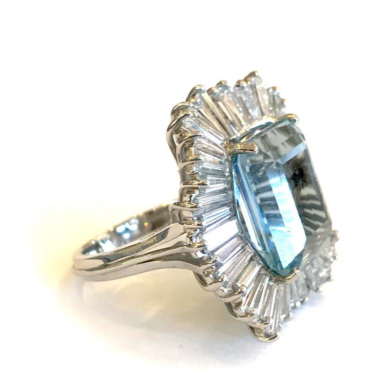 Antique, Estate & Consignment Aquamarine & Diamond Ring