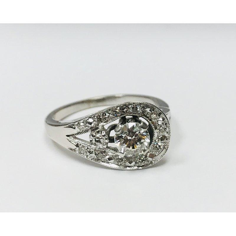 Antique, Estate & Consignment 14k Swirl Ring