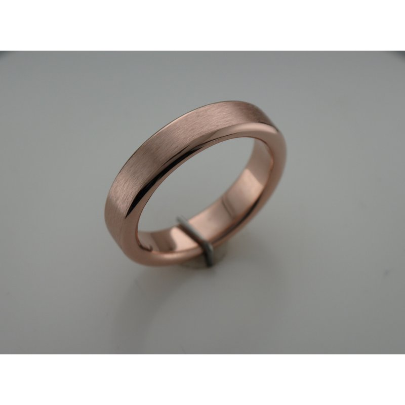 Hurdle's Custom Designs Men's Rose Gold Wedding Band