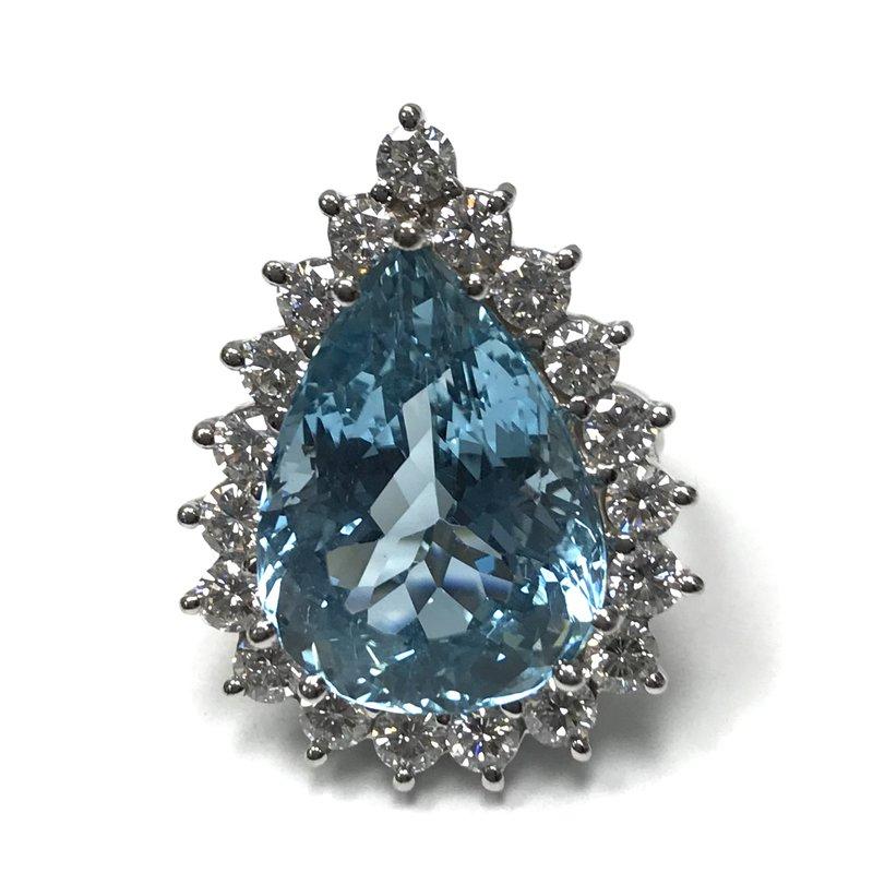 Antique, Estate & Consignment 17.50 Carat Aquamarine Ring