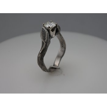 Leaf Diamond Engagement Ring