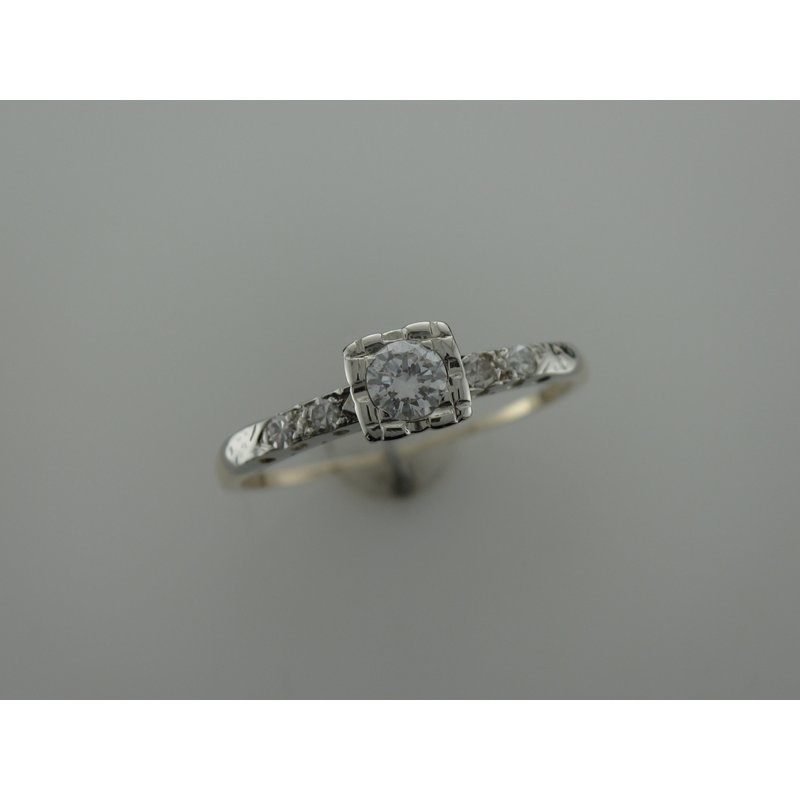 Antique, Estate & Consignment Vintage Two Tone Diamond Ring