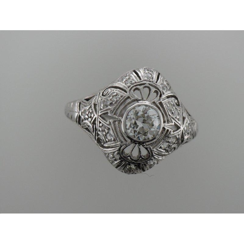 Antique, Estate & Consignment Vintage Diamond Filigree Engagement Ring