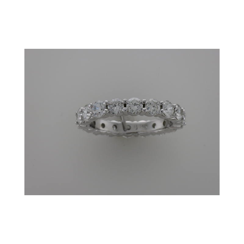 Hurdle's Custom Designs Shared Prong Diamond Band
