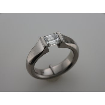Platinum Kretchmer Diamond Ring