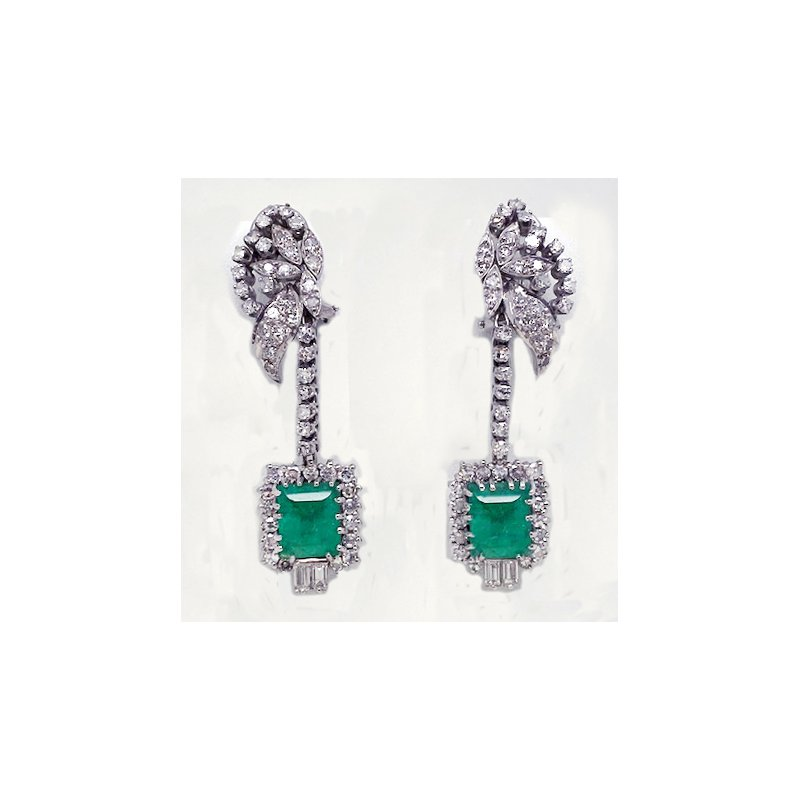 Estate & Vintage PREVIOUSLY LOVED® White Gold and Diamond Emerald Earrings
