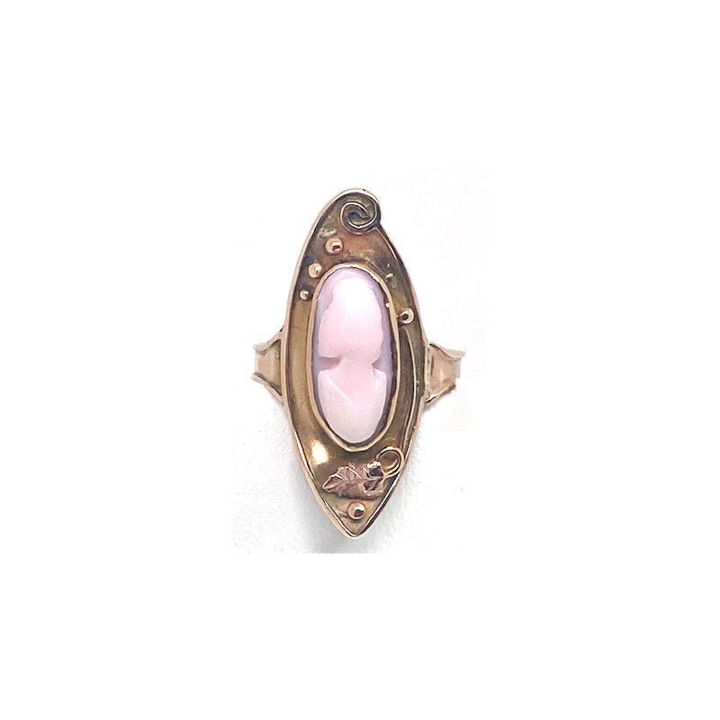 Estate & Vintage Lady's vintage coral cameo ring