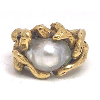 Lady's vintage light grey Tahitian pearl and yellow gold freeform ring