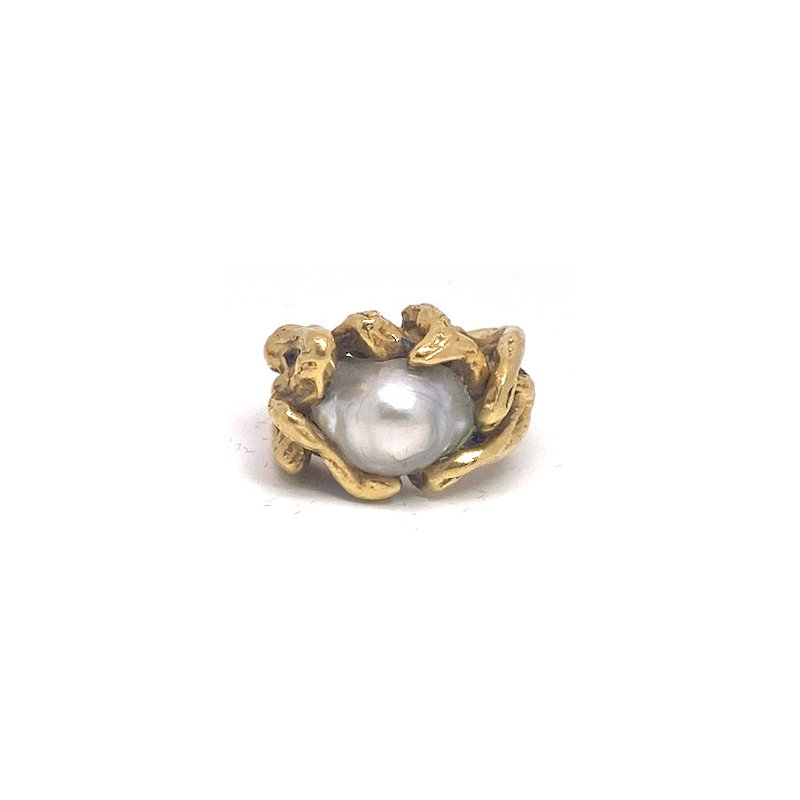 Estate & Vintage Lady's vintage light grey Tahitian pearl and yellow gold freeform ring