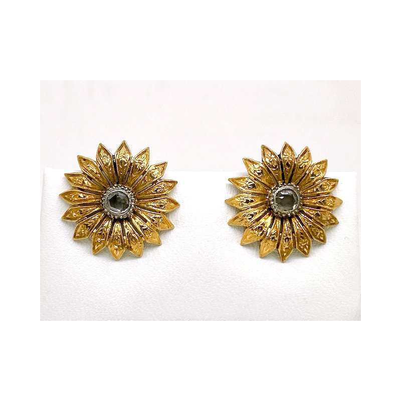 Estate & Vintage Lady's vintage diamond and yellow gold, flower, clip on earrings