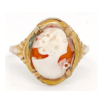 Lady's vintage cameo and yellow gold ring