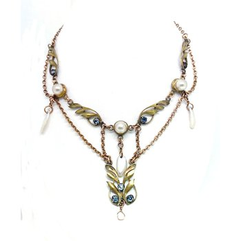 Lady's Art Nouveau design imitation pearl and yellow gold filled festoon necklace