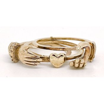 Lady's vintage yellow gold Claddagh ring