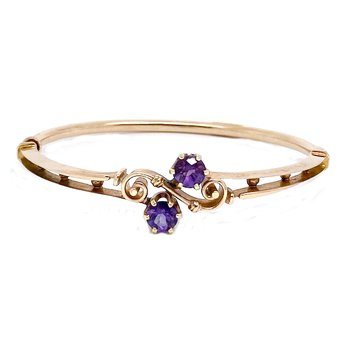 Lady's amethyst and yellow gold bangle bracelet