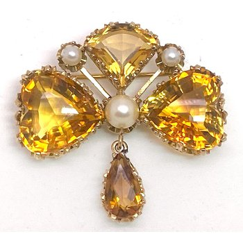 Lady's vintage citrine and seed pearl brooch
