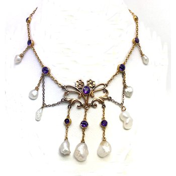 Lady's Art Nouveau design pearl and amethyst festoon necklace