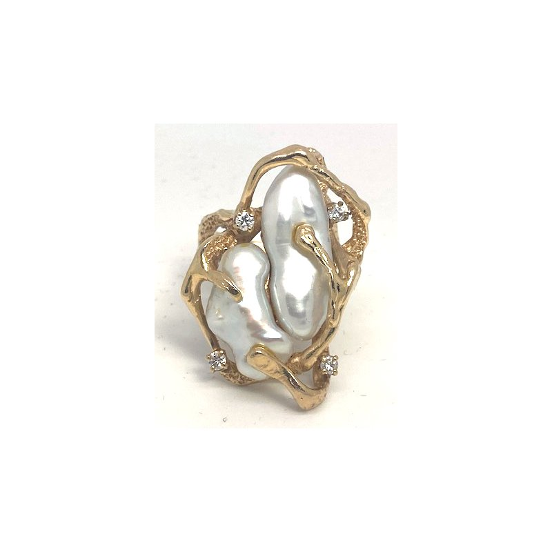 Estate & Vintage Lady's vintage cultured pearl, diamond and yellow gold freeform ring