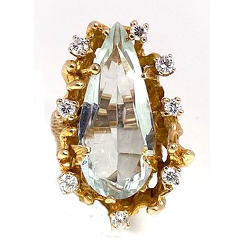 Lady's vintage aquamarine, diamond and yellow gold free form ring