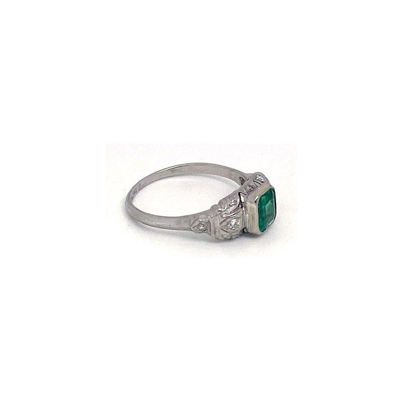 Estate & Vintage Lady's vintage emerald, diamond and platinum ring