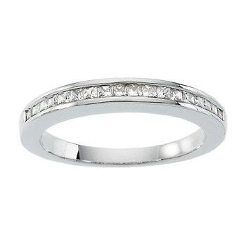 1/3 ct tw Diamond Wedding Band