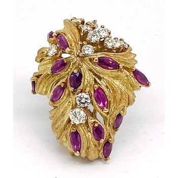 """Lady's vintage ruby, diamond and yellow gold freeform ring, 1.25"""" in length"""