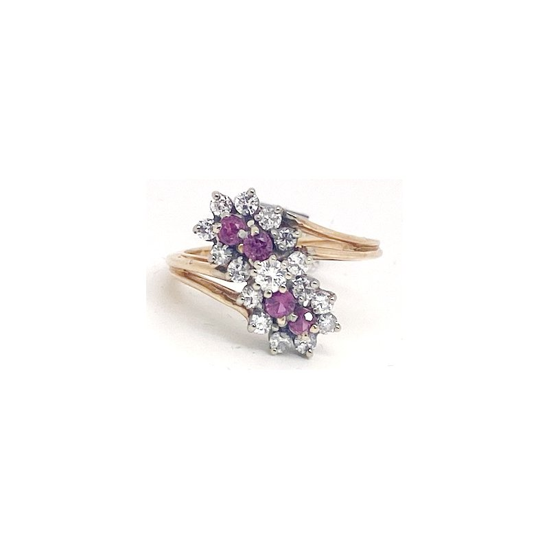 Estate & Vintage Lady's vintage ruby, diamond and yellow gold flower ring