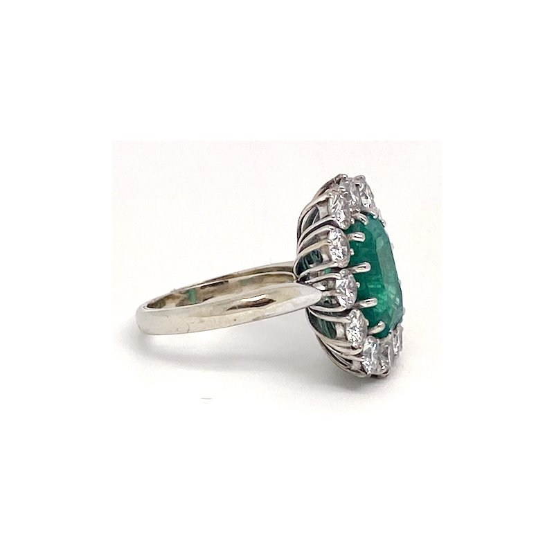 Estate & Vintage Lady's vintage emerald, diamond and white gold ring, with butterfly guard
