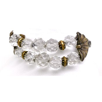 Lady's vintage crystal bracelet with a flower motif