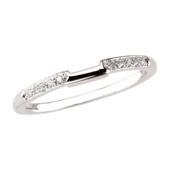 .05 ct tw Diamond Wedding Band
