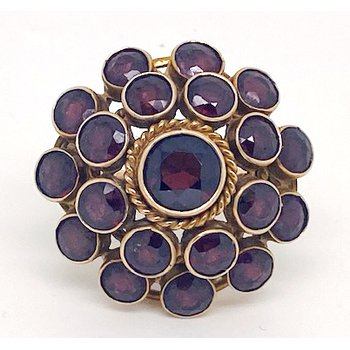 "Lady's vintage garnet and yellow gold cluster ring, with a 1.10"" diameter"