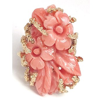 Vintage coral and yellow gold ring